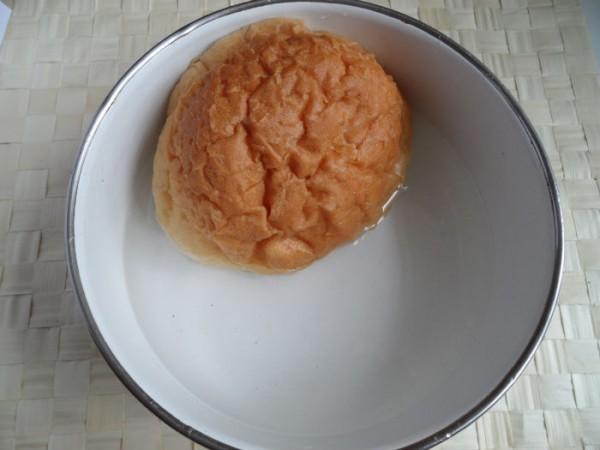 Рубленое мясо с пряностями со сметанным соусом по-венгерски