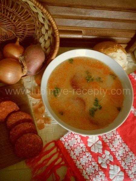 Венгерская кухня.Суп с хлебом