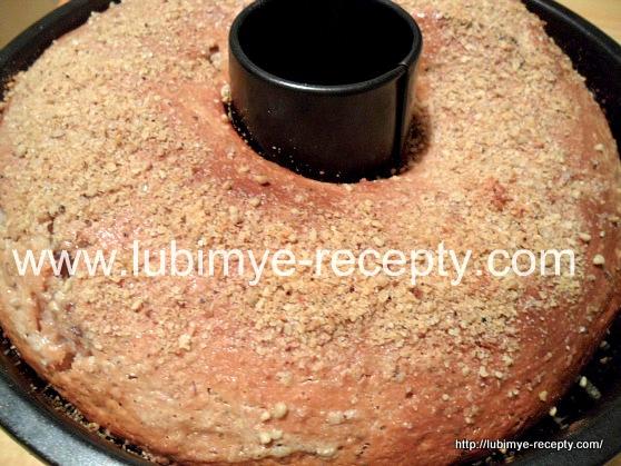 Пирог на кефире с вареньем3