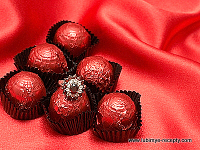 1-expensive-desserts-strawberries-arnaud
