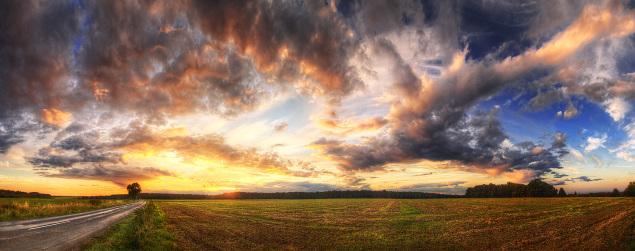 Hungarian skies pt.072 by Zsolt Zsigmond (www.realitydream.hu)