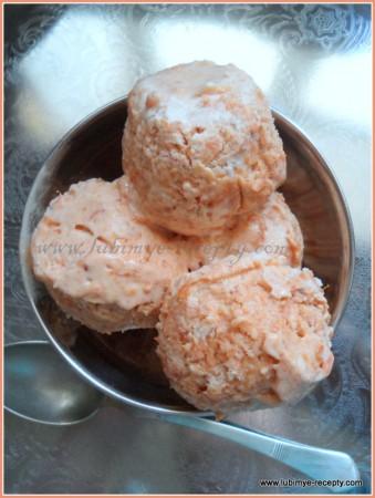 Мороженое из абрикосов с имбирём