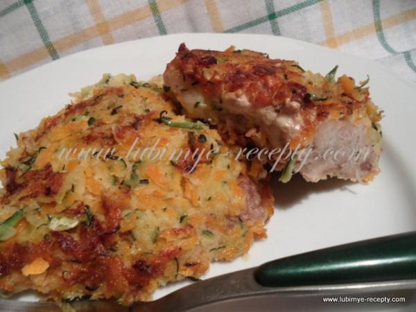 Отбивные из свинины в овощной панировке