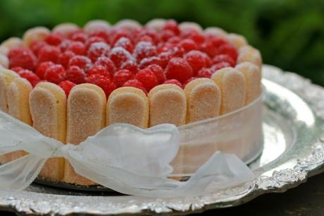 """Торт """"Малиновая шарлотка  с печеньем """"Дамские пальчики"""" (Raspberry Charlotte)"""