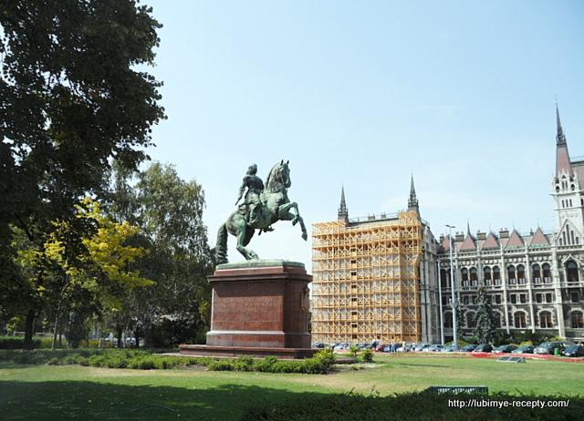 Памятник Ференцу Ракоци