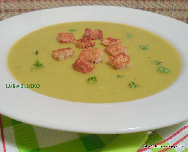 крем-суп из зелёного горошка