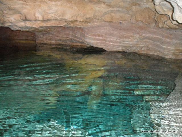 Венгрия.Таполца.Подземное озеро, отражение