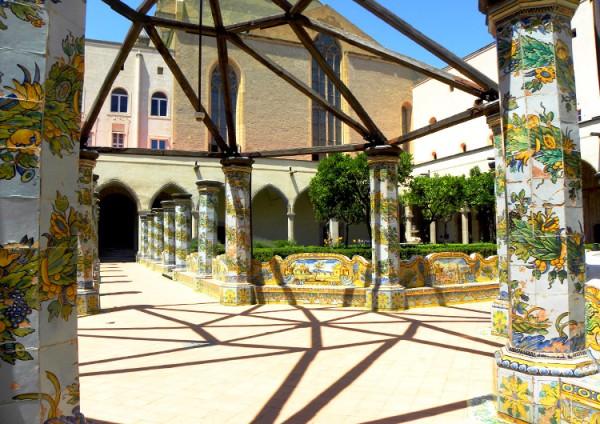 десерт, Италия, Неаполь, монастырь Санта Кьяра