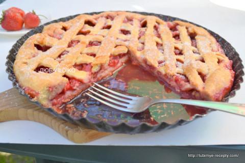 Пирог с клубникой 5