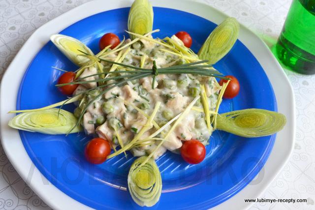 Красивый салат с курицей