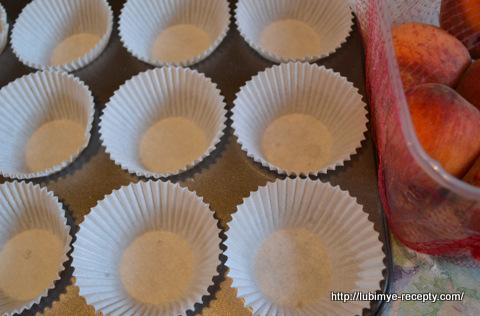 Кексы с персиками 1