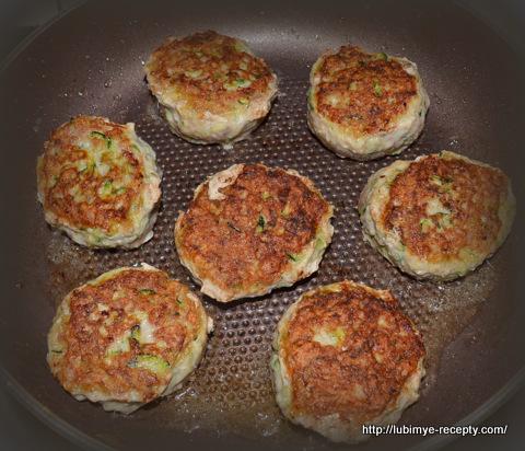 Рецепт котлет из фарша и кабачков 1