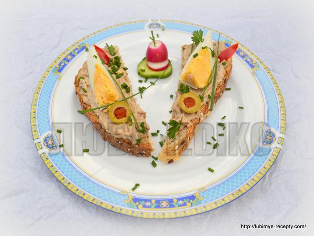 Оформление праздничных бутербродов с рыбой