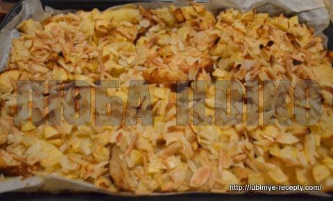 Шарлотка с яблоками и хлебом 4