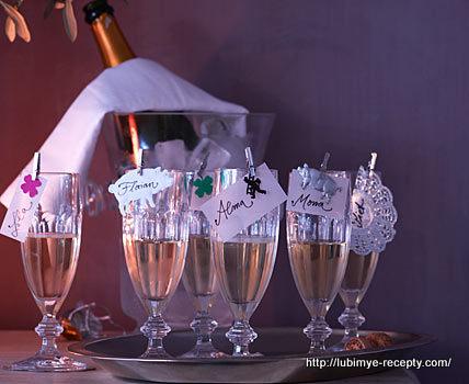 Идеи украшения новогоднего шведского стола 1