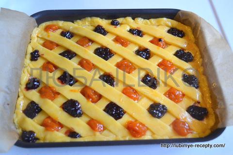 Рецепт пирога с творогом и вареньем