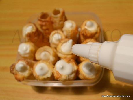 Трубочки с белковым кремом 4