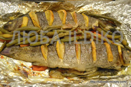 Рыба запеченная в духовке с овощами1