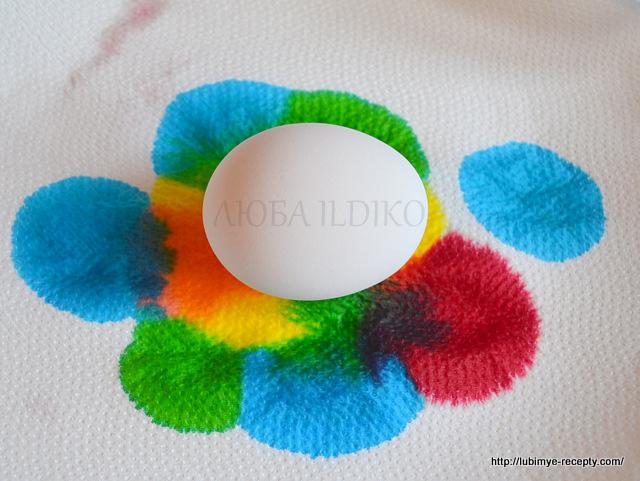 Как красиво покрасить яйца1