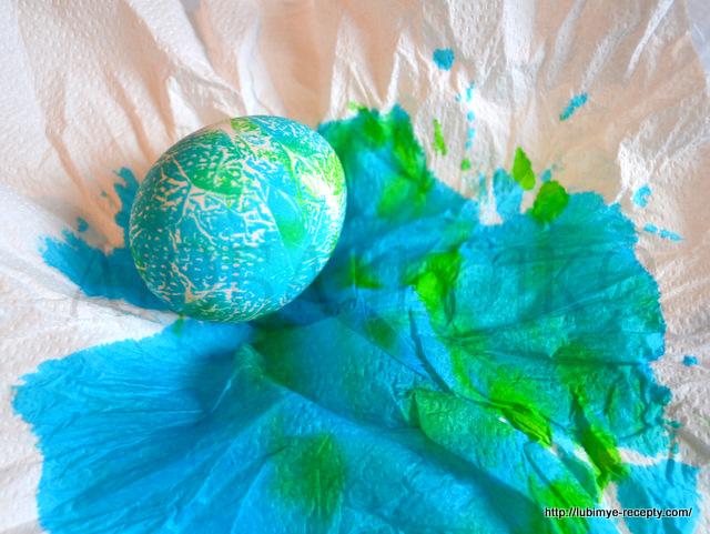 Как красиво покрасить яйца2