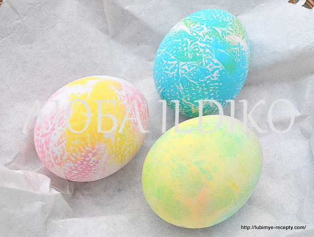 Как красиво покрасить яйца6